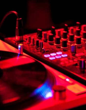 Groovalicious DJs